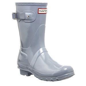 Size 9 short glossy hunter boots